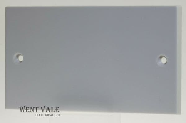British General 900 Series  905-01 White Moulded - Twin Blanking Plate